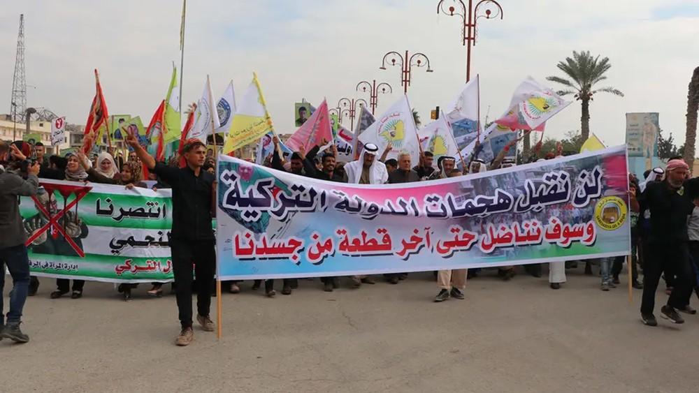 الإدارة الذاتية: تركيا تسعى لتغيير ديمغرافي شمال سوريا