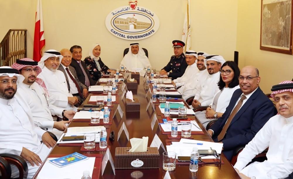 تنسيقي العاصمة يستعرض جهود إحياء تراث المنامة ومراقبة المنشآت الغذائية