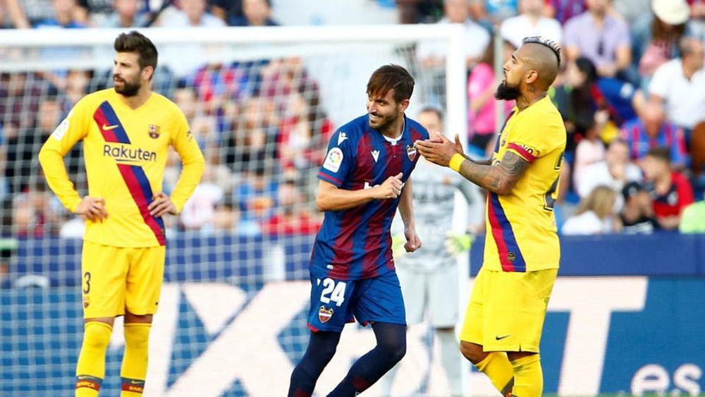 """برشلونة بـ""""وجهين"""".. مخيف في """"كامب نو"""" ومرتبك خارجه"""