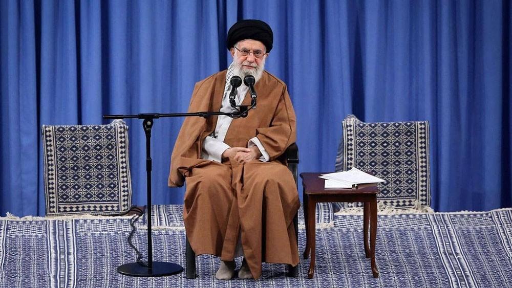 """استهدفت """"دائرة خامنئي"""".. تفاصيل عقوبات واشنطن على إيران"""