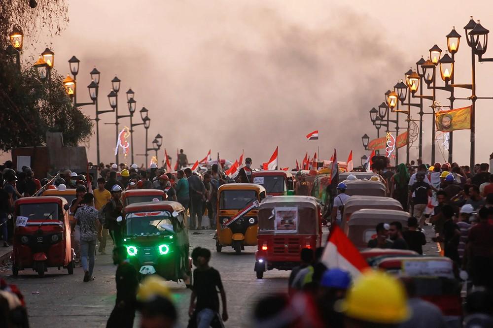 العراق.. قتيلان في البصرة وحملة اعتقالات كبيرة في بغداد