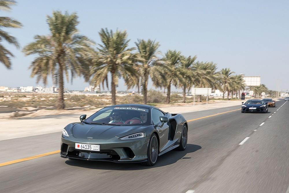 ماكلارين البحرين تستضيف فعالية حصرية لتجربة قيادة سيارة ماكلارين GT