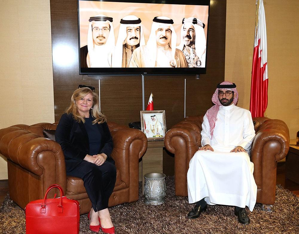 """المؤيد يشيد بدور """"هذه هي البحرين"""" في ابراز الصورة الناصعة عن المملكة"""