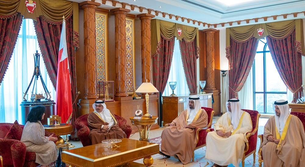 سمو ولي العهد: استمرار إبراز مقومات البحرين التاريخية والحفاظ عليها