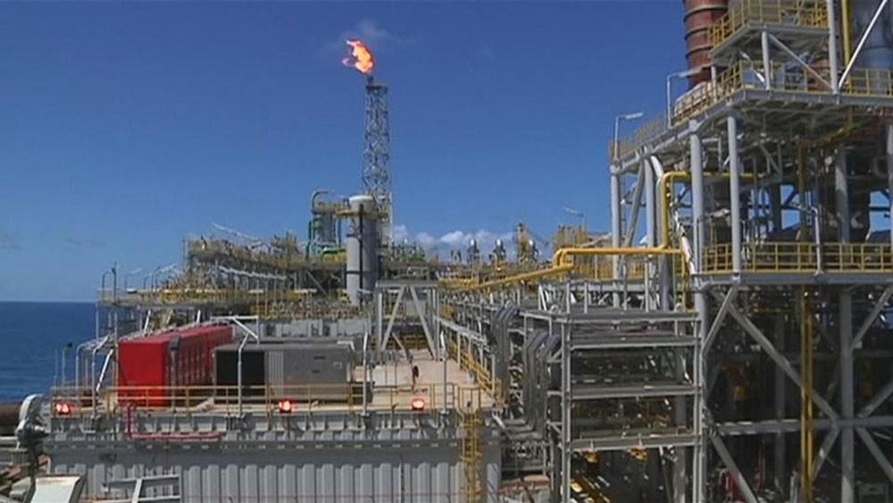 """تجدد الآمال في اتفاق تجاري """"أميركي - صيني"""" ينعش النفط"""