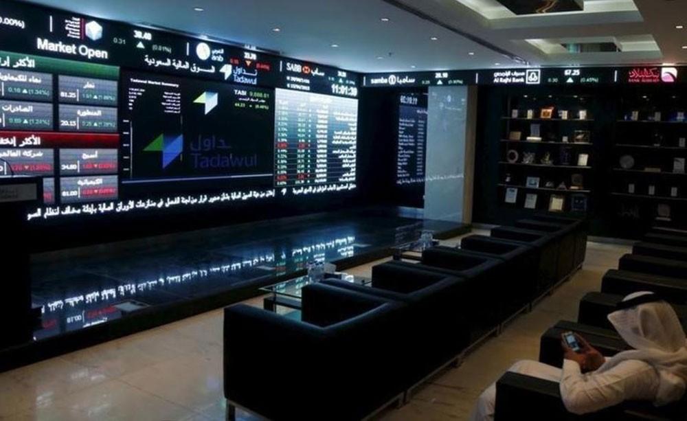 أسهم السعودية ترتفع بدعم من البنوك وأداء متباين لأسواق الأسهم الخليجية الأخرى