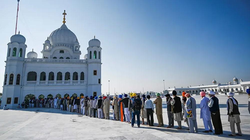بدء زيارة حج تاريخية للهنود السيخ في باكستان