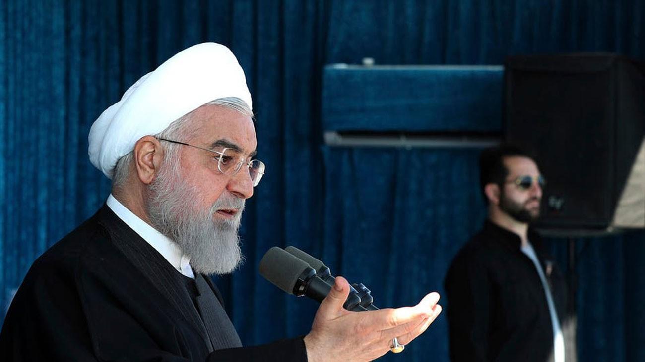 روحاني يقر بتدهور اقتصاد إيران.. ويلوح بزيادة الضرائب