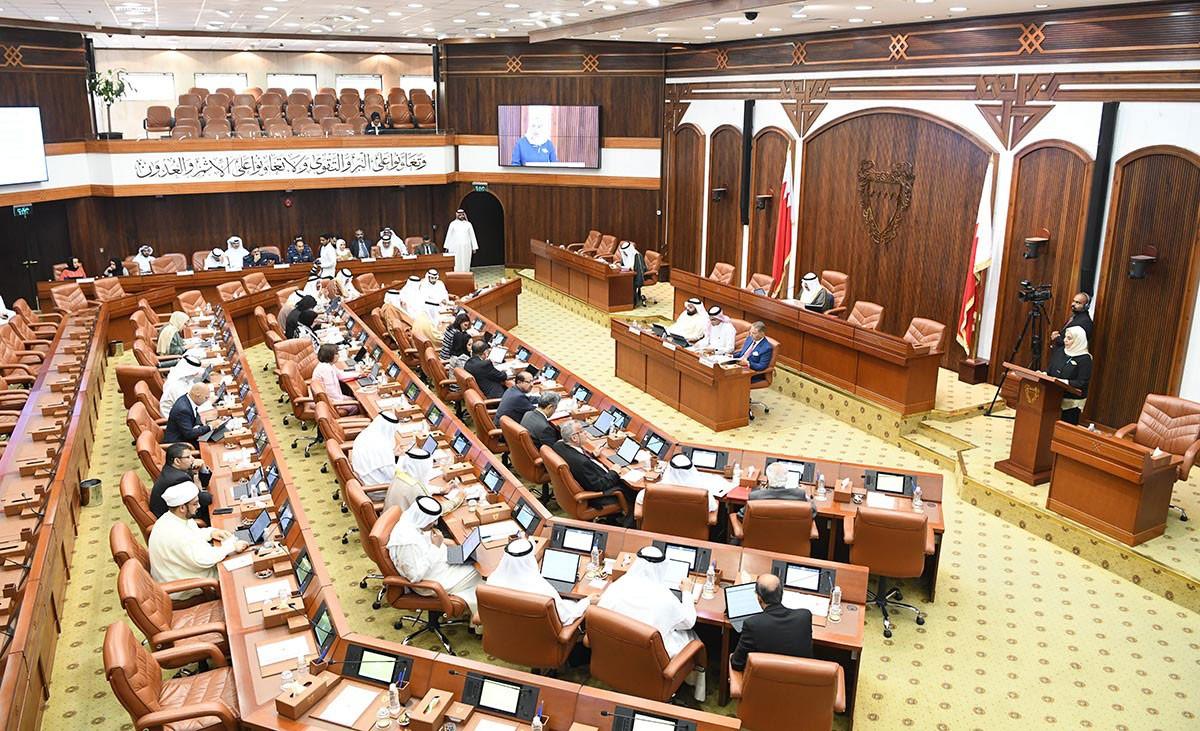 25 شوري يصوت برفض اشتراط شهادة حسن السيرة للعامل الاجنبي