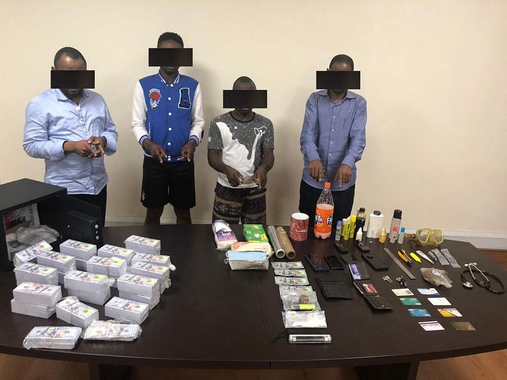 القبض على عصابة زوّرت عملات نقدية لارتكاب جرائم نصب و احتيال