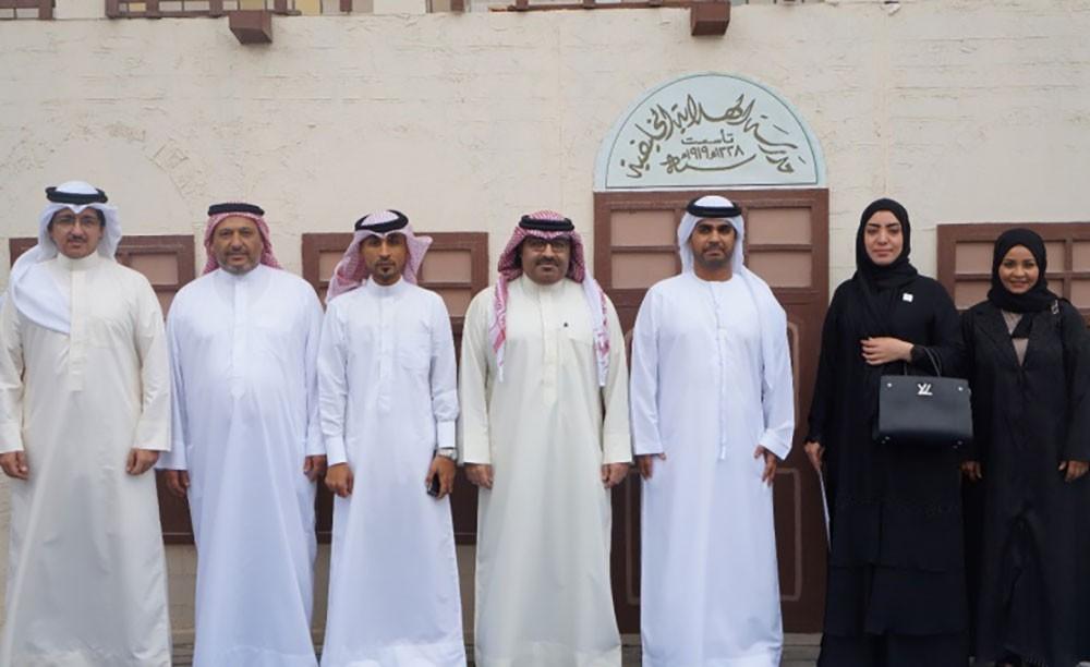 نائب رئيس البعثة بسفارة الإمارات يزور مدرسة الهداية الخليفية