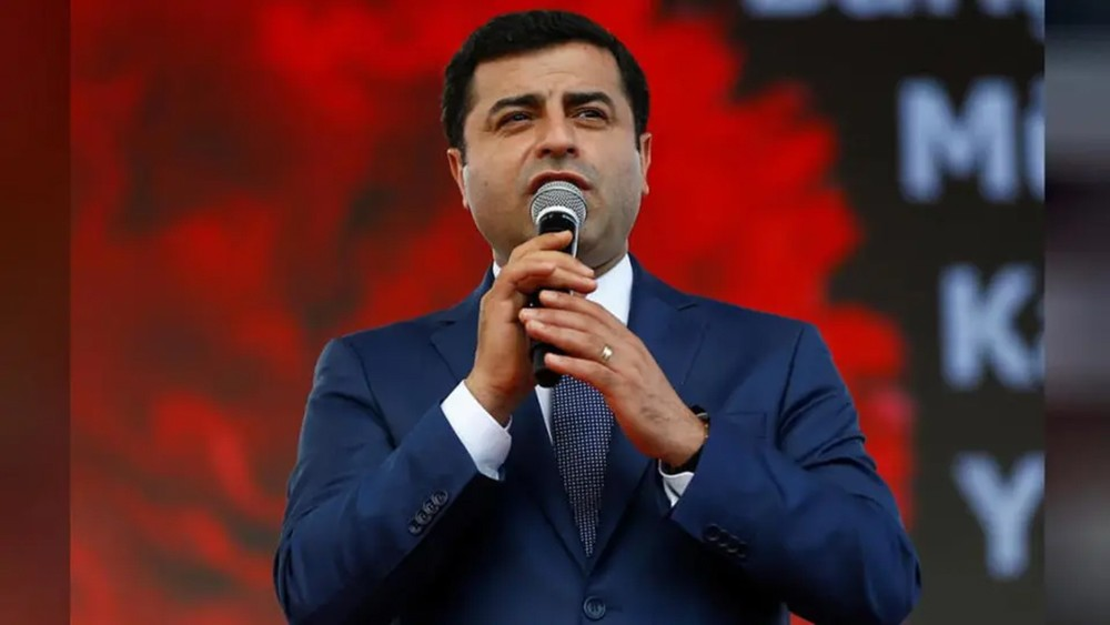 مخاوف على صحة زعيم حزب تركي معارض في السجن