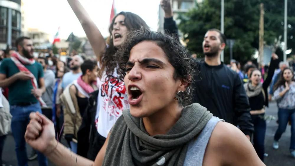 أحد غضب في لبنان.. رفضاً لتسمية رئيس حكومة تابع للسلطة