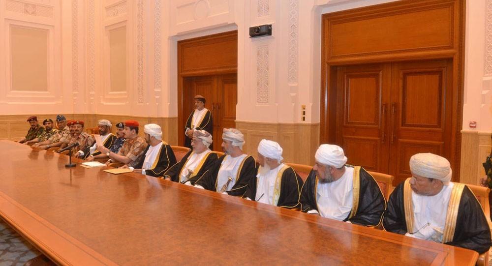 بالصور...  مجلس العائلة ومجلس الدفاع بعمان في جلسة فتح الوصية