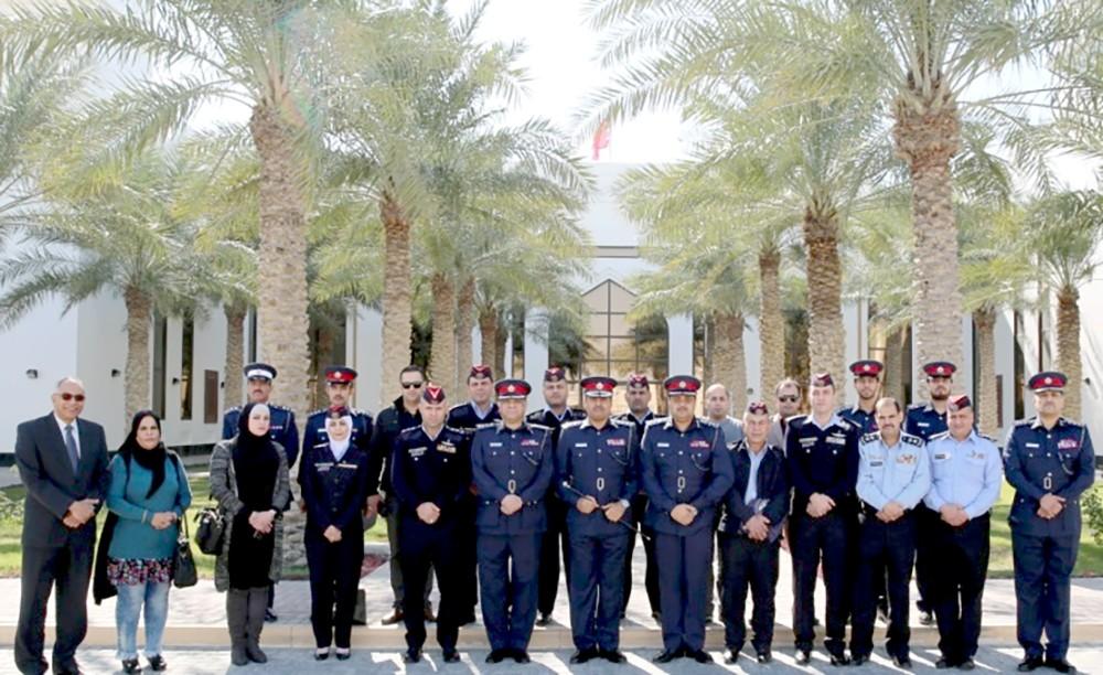 آمر الأكاديمية الملكية للشرطة يستقبل وفدا من طلبة الماجستير بأكاديمية الشرطة الملكية بالأردن