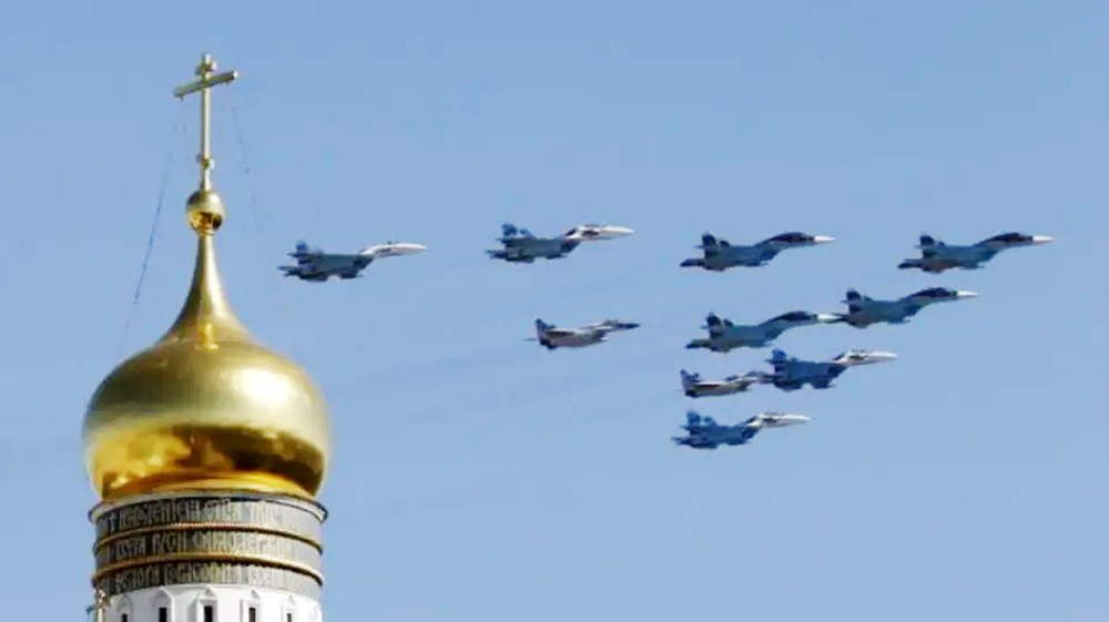 المرصد السوري: 18 قتيلاً بقصف لطيران النظام وروسيا على حلب