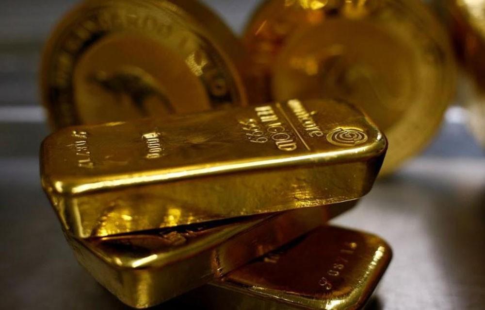 الذهب يبلغ ذروة أسبوعين لإقبال على الملاذات بسبب مخاوف الفيروس