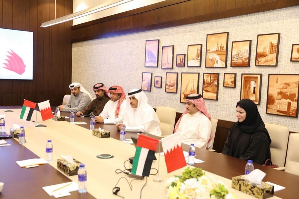 وفد قضائي بحريني يطلع على مسيرة القضاء في محاكم الإمارات
