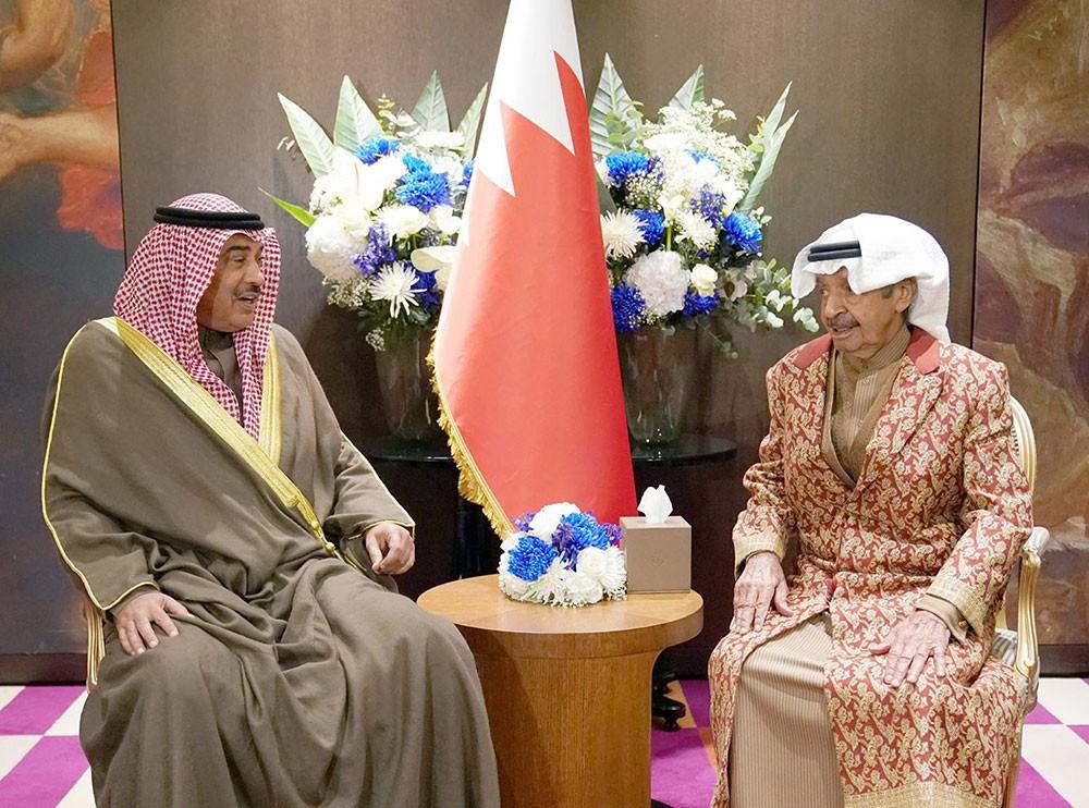 سمو رئيس الوزراء يستقبل رئيس وزراء الكويت