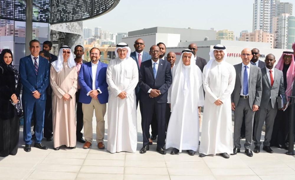 وزير الصناعة يفتتح حاضنة ومسرعة الأعمال The Collective Hub بحضور نظيره الصومالي