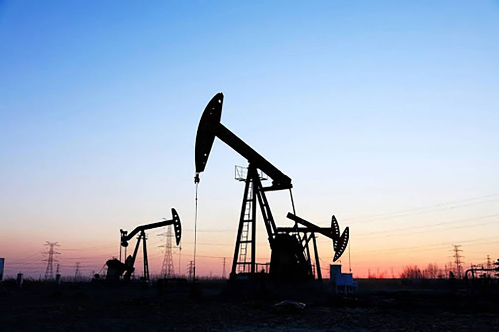 وكالة الطاقة تتوقع هبوط الطلب على النفط لأدنى مستوى في 10 سنوات