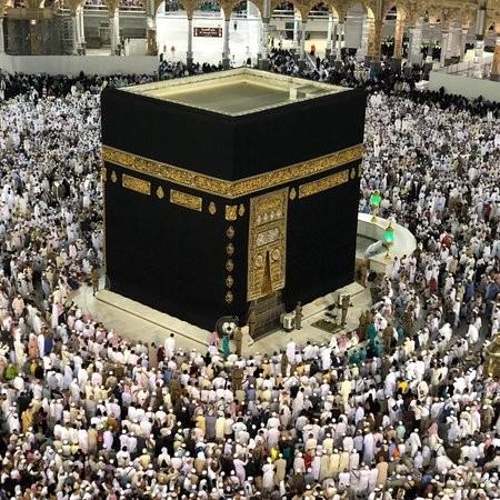 السعودية تعلق دخول الخليجيين إلى مكة المكرمة والمدينة المنورة