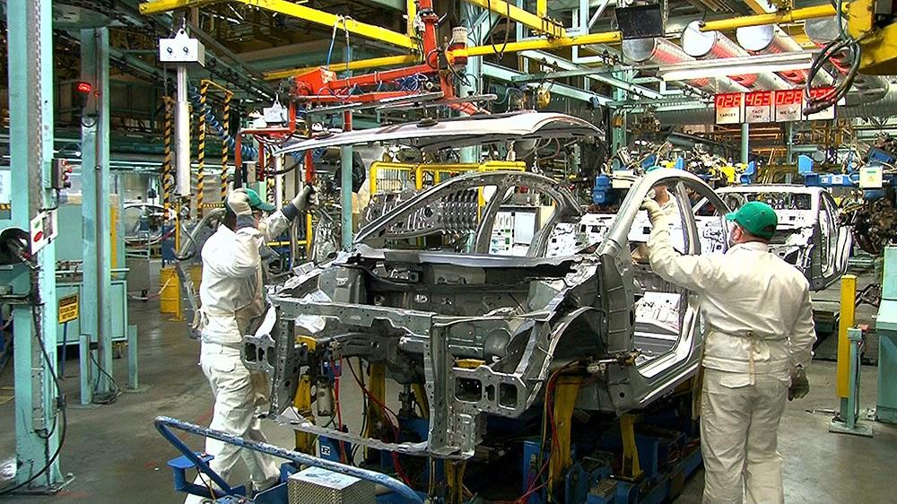 وقف مصانع تويوتا عن العمل!