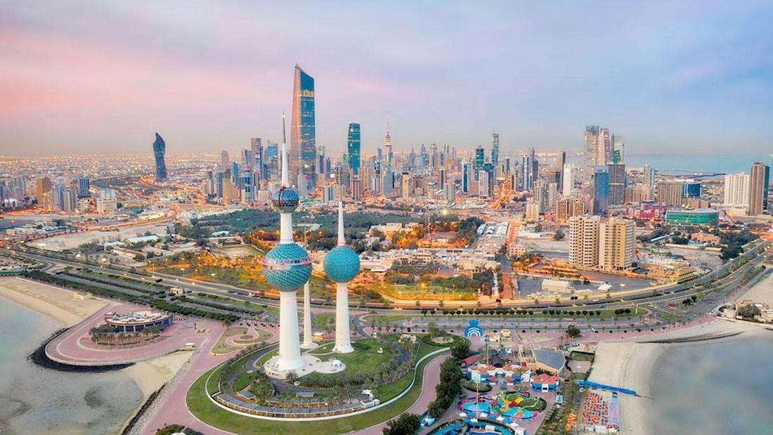الكويت تفرض حظر التجوال الجزئي