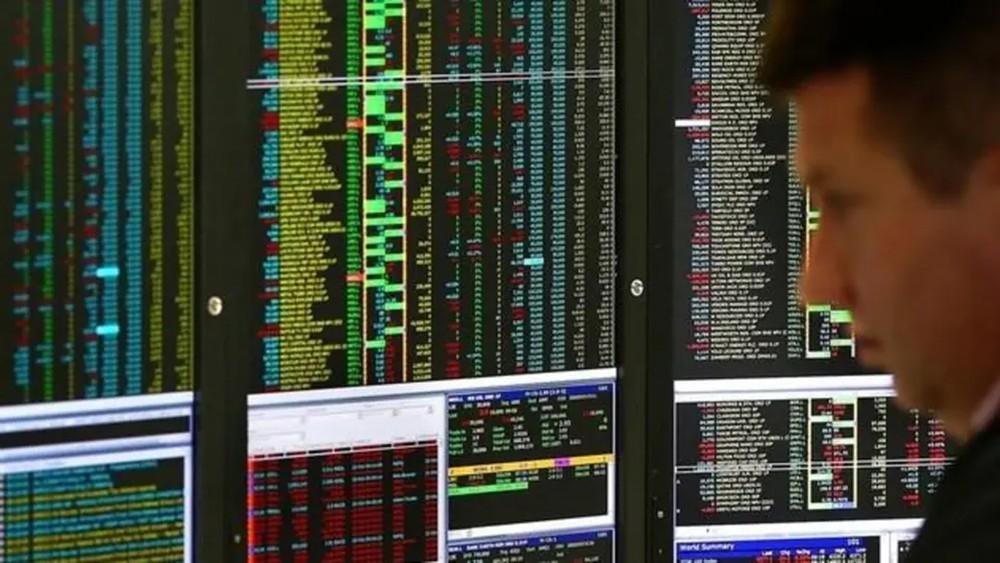 أسواق أوروبا تبدأ التعاملات بارتفاع 3%.. واليابان تغلق بمكاسب 8%