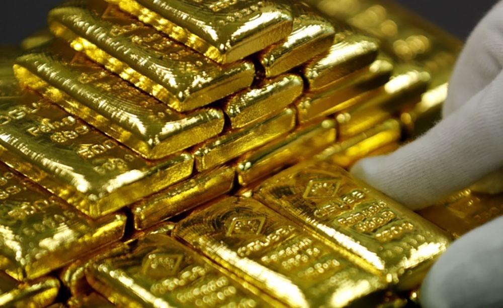 الذهب يتراجع رغم خطة التحفيز الامريكية الضخمة