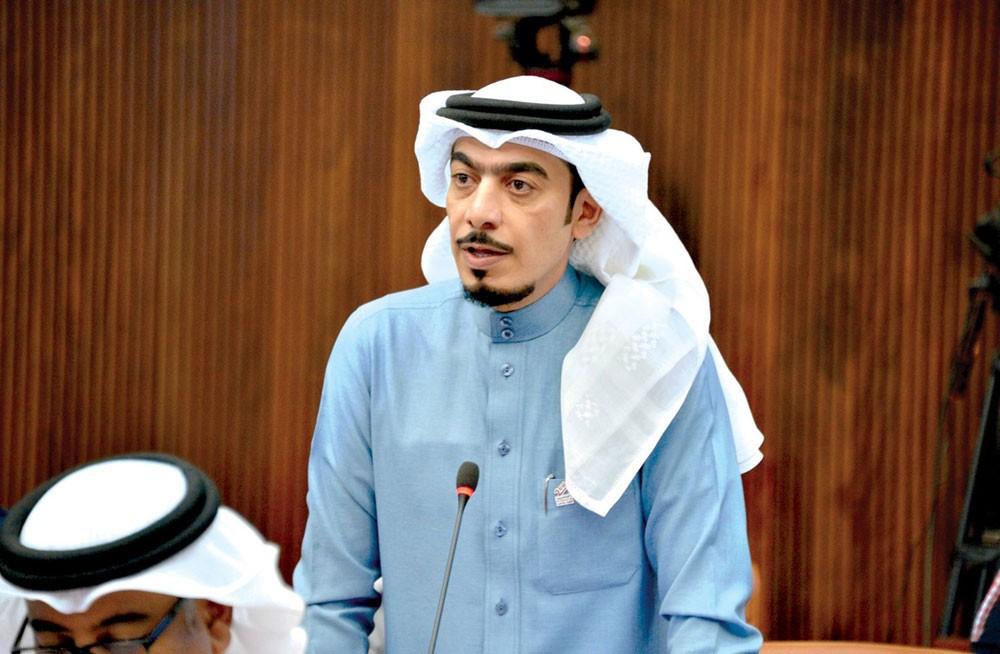 """الكوهجي: 43 ألف بحريني بالخارج وخطة """"محكمة"""" للإجلاء"""