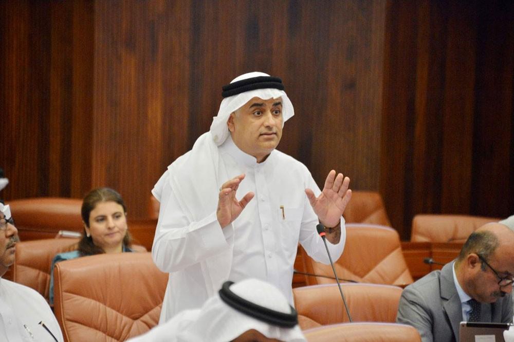 رئيس خدمات النواب: توجيهات سمو رئيس الوزراء منهج لإدارة الأزمات وتعزيز للاستقرار الاجتماعي و الاقتصادي