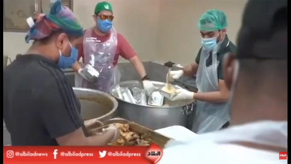 بالفيديو: النائب البناي يؤكد على حرصهم على التباعد الاجتماعي في حملة توزيع افطار صائم