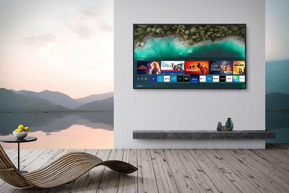 تلفاز مقاوم للعوامل الجوية من سامسونغ