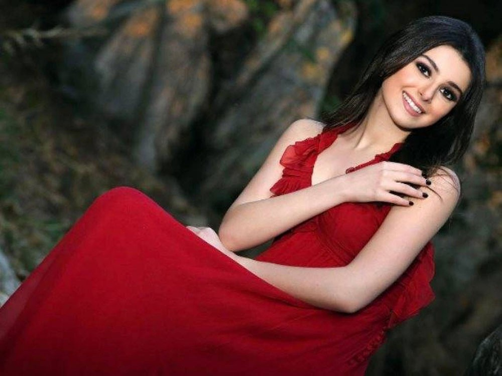 ماريتا الحلاني.. غناء وتمثيل وفن
