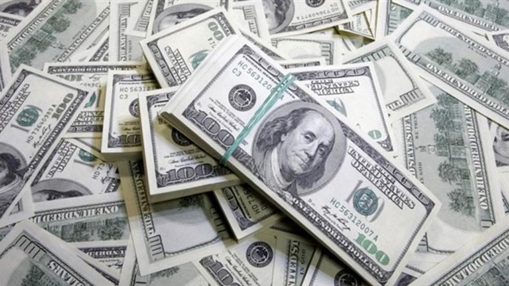 الدولار الأمريكي يهبط ونظيره الاسترالي يقفز مع تحسن شهية المستثمرين للمخاطرة