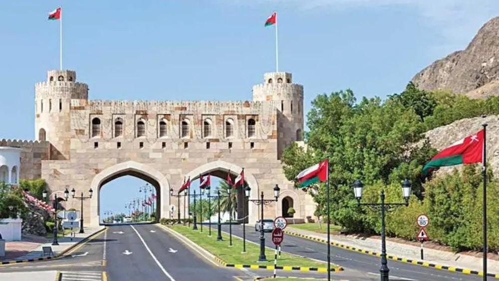 معالجات اقتصادية بالكويت وعُمان لآثار كورونا