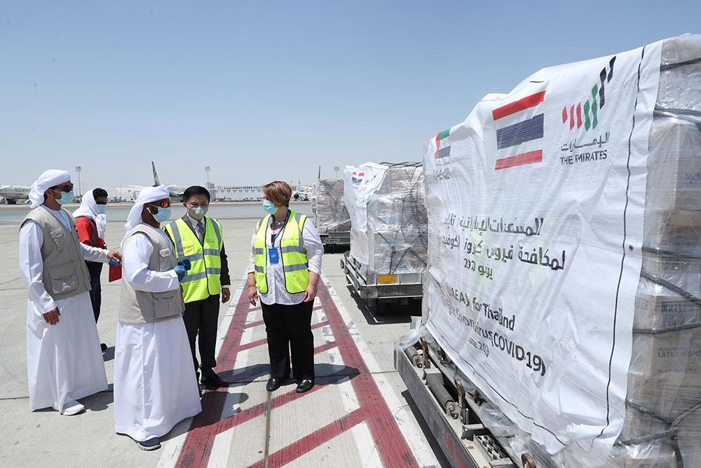 الإمارات توفر الإمدادات الطبية إلى أكثر من مليون عامل في القطاع الصحي لمكافحة (كوفيد-19)