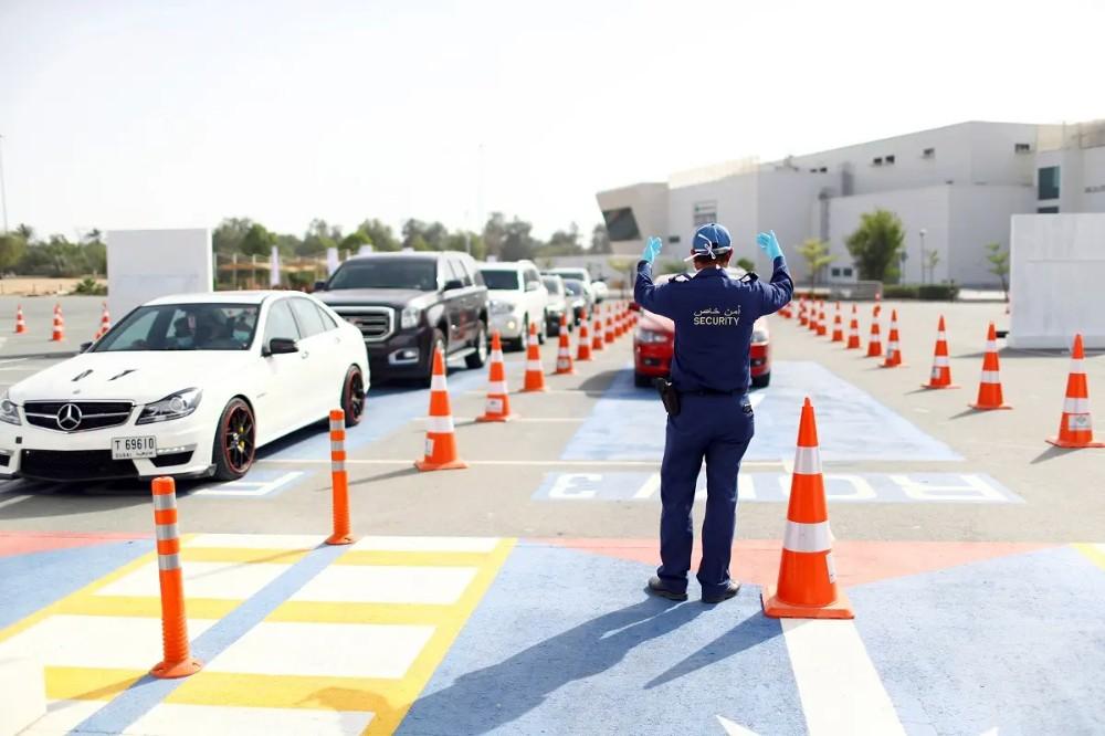 Drive-thru testing coronavirus disease (COVID-19) at a screening centre in Abu Dhabi. (File photo: Reuters)