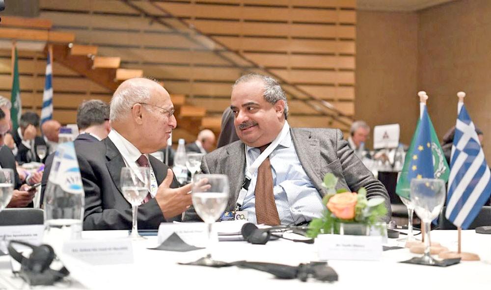 سمو الشيخ سلمان بن خليفة يشارك في القمة الأوروبية العربية
