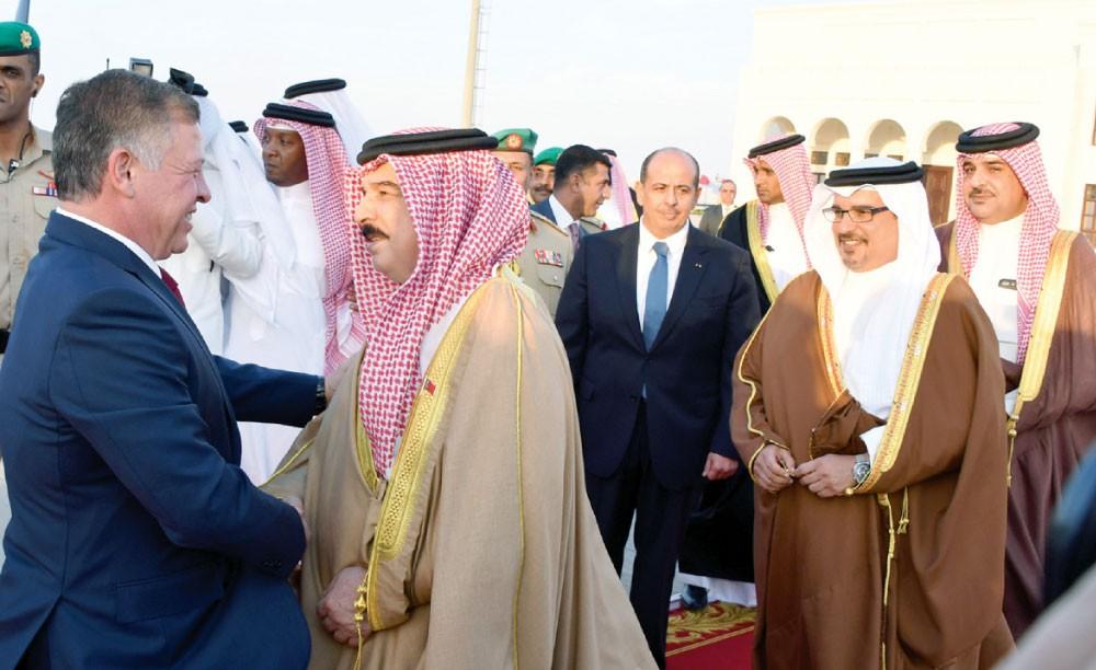 جلالة الملك والعاهل الأردني يبحثان مستجدات الأوضاع في المنطقة العربية