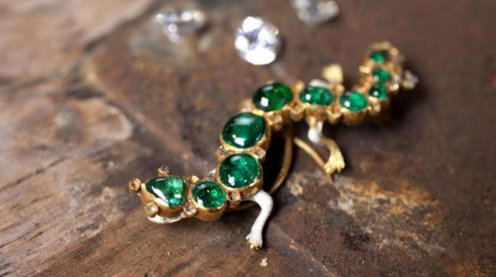 الإهمال يفقده مجوهرات بمليون إسترليني