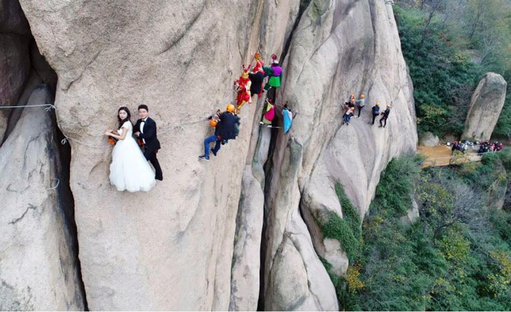 أخطر حفل زفاف في العالم