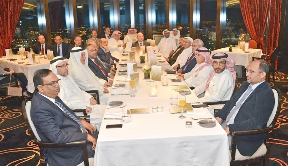 """تكريم الرعاة والداعمين لـ""""استثمر في البحرين"""""""