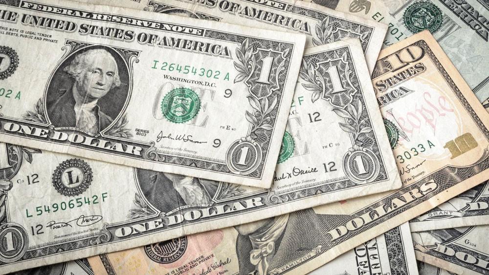 """الدولار يصعد مقابل الين و""""بيتكوين"""" تتجاوز 14 ألفًا"""