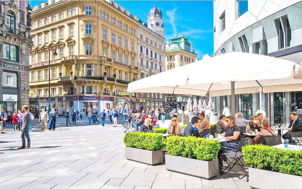 إسبانيا تتجاوز أميركا لتصبح ثاني وجهة سياحية بالعالم