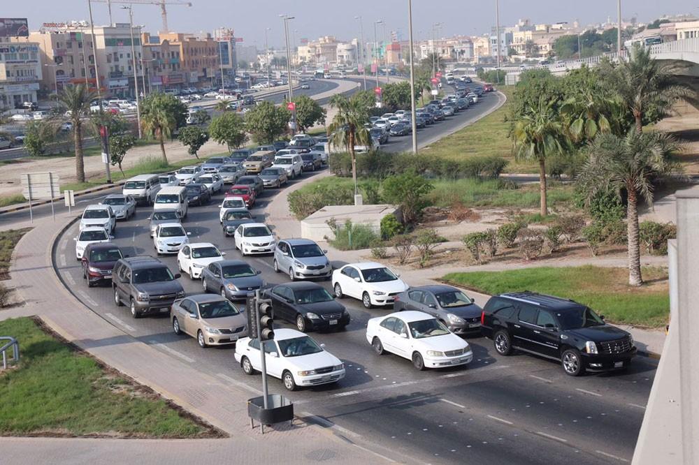 تحسين انسيابية المرور من وإلى مجمع 202 بالمحرق