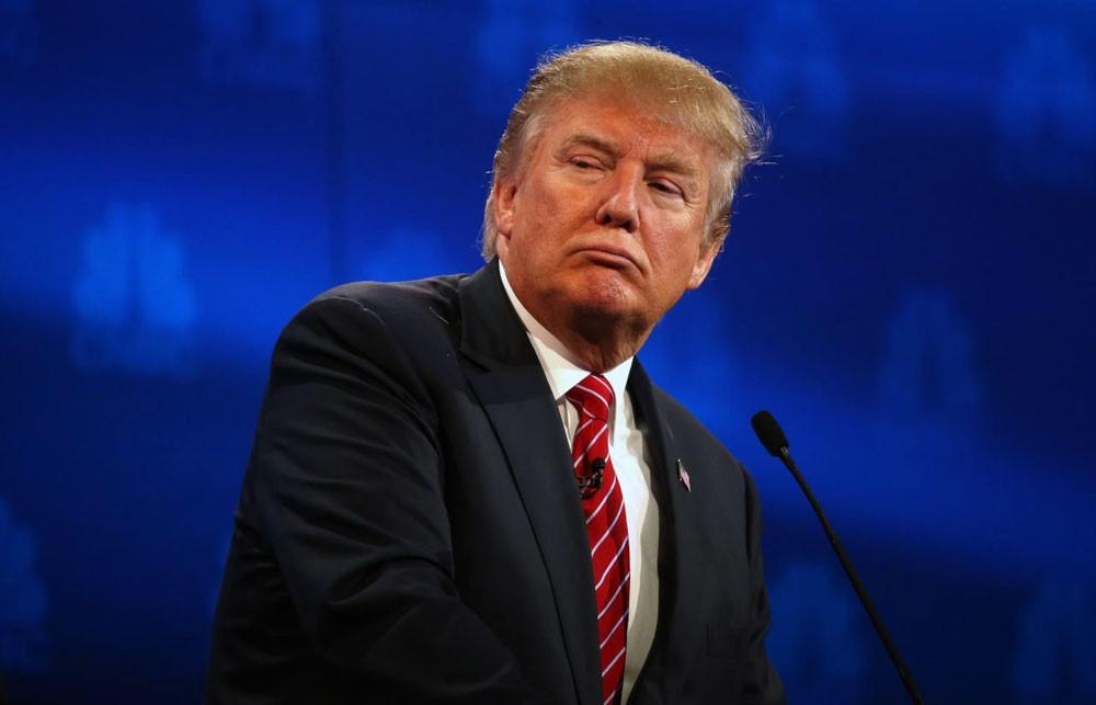 ترامب يوقع قانون مراقبة الإنترنت