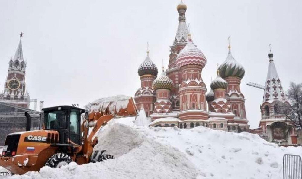 عاصفة ثلجية غير مسبوقة تضرب موسكو