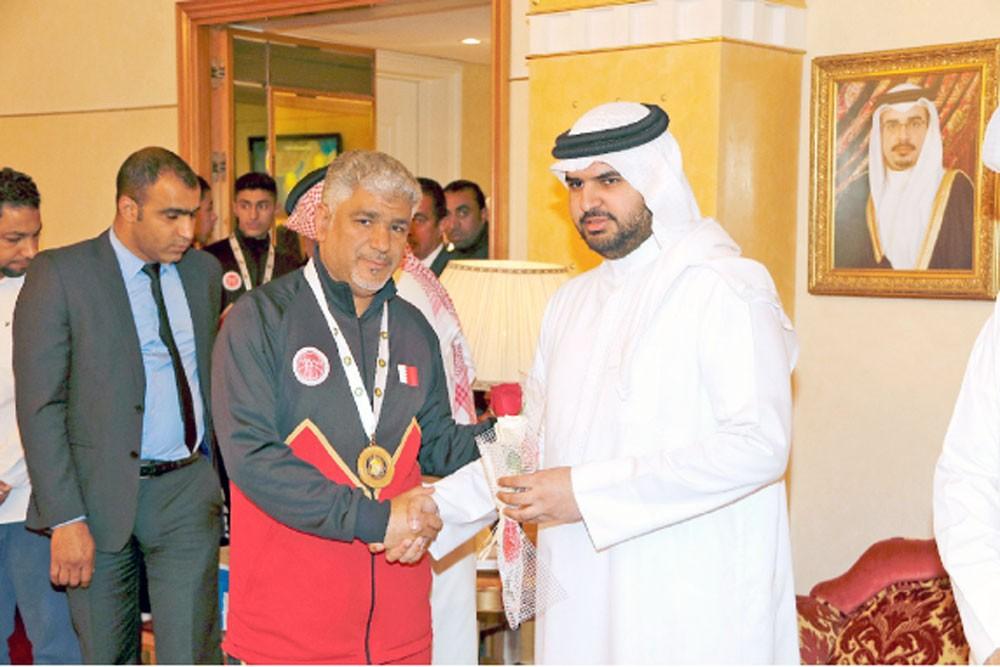 سمو الشيخ عيسى بن علي: إنجاز لقب السلة الخليجية يؤكد نجاح سياسة الاتحاد التطويرية